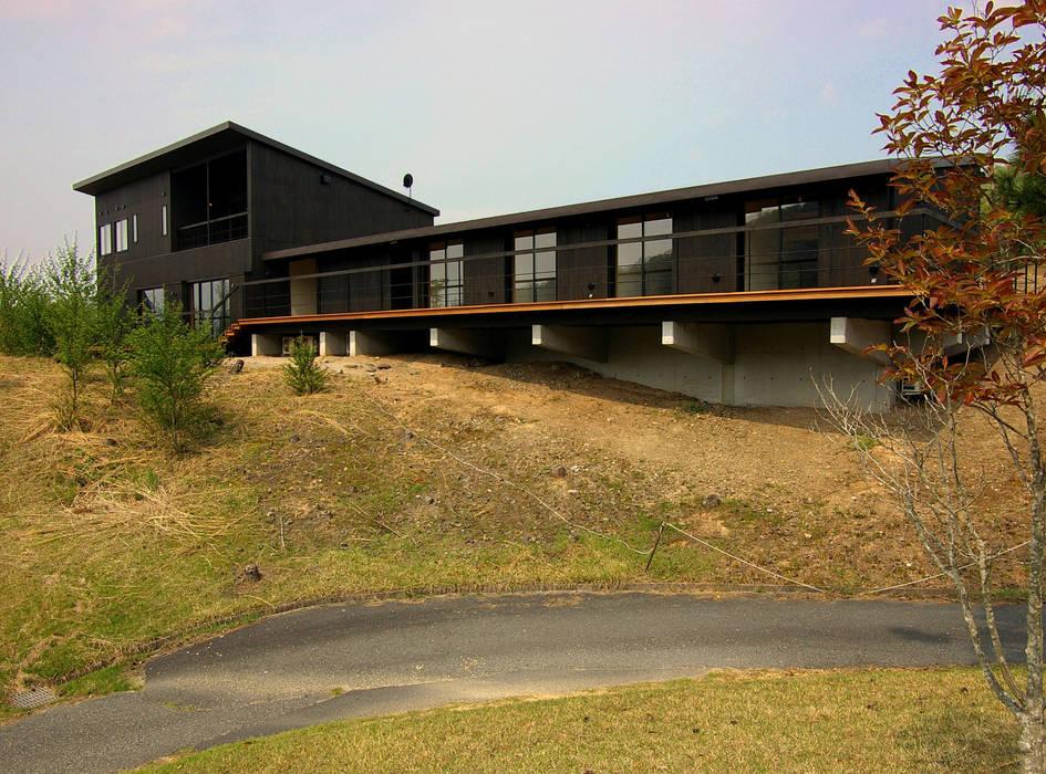 兵庫県佐用町の別荘: 一級建築士事務所アールタイプが手掛けた家です。