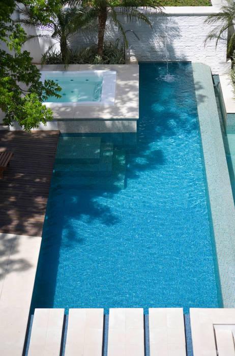Piscinas de estilo moderno de Tellini Vontobel Arquitetura Moderno