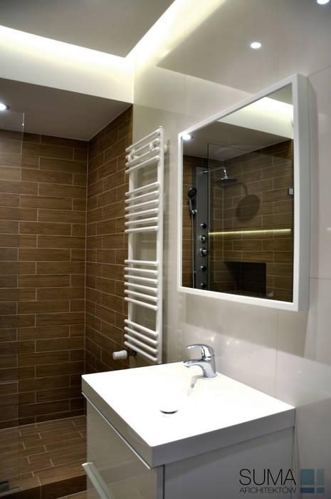 M33_RENT_ONE Nowoczesna łazienka od SUMA Architektów Nowoczesny