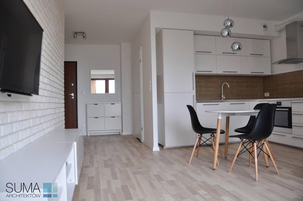 M33_RENT_ONE: styl , w kategorii Salon zaprojektowany przez SUMA Architektów