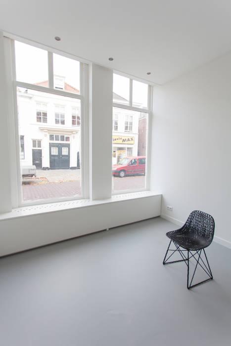 architectenbureau Huib Koman (abHK) Minimalist living room