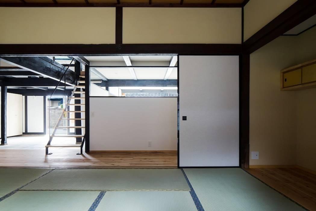 花しょうぶ通りの家 和風の 寝室 の タクタク/クニヤス建築設計 和風