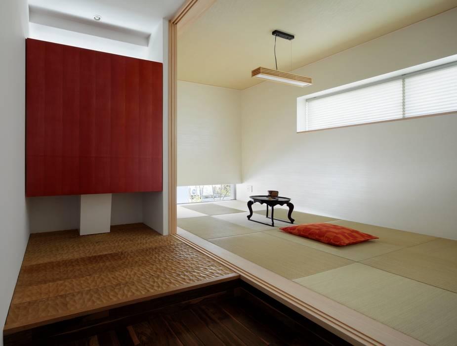 タタミスペース 水屋 久保田正一建築研究所 クラシカルな 壁&床