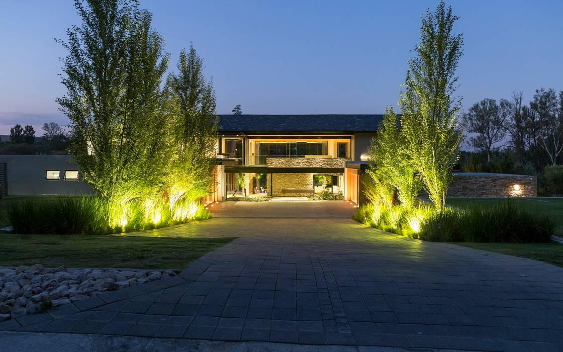House in Blair Atholl Moderne Häuser von Nico Van Der Meulen Architects Modern