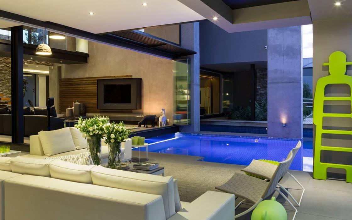House in Blair Atholl Varandas, alpendres e terraços modernos por Nico Van Der Meulen Architects Moderno