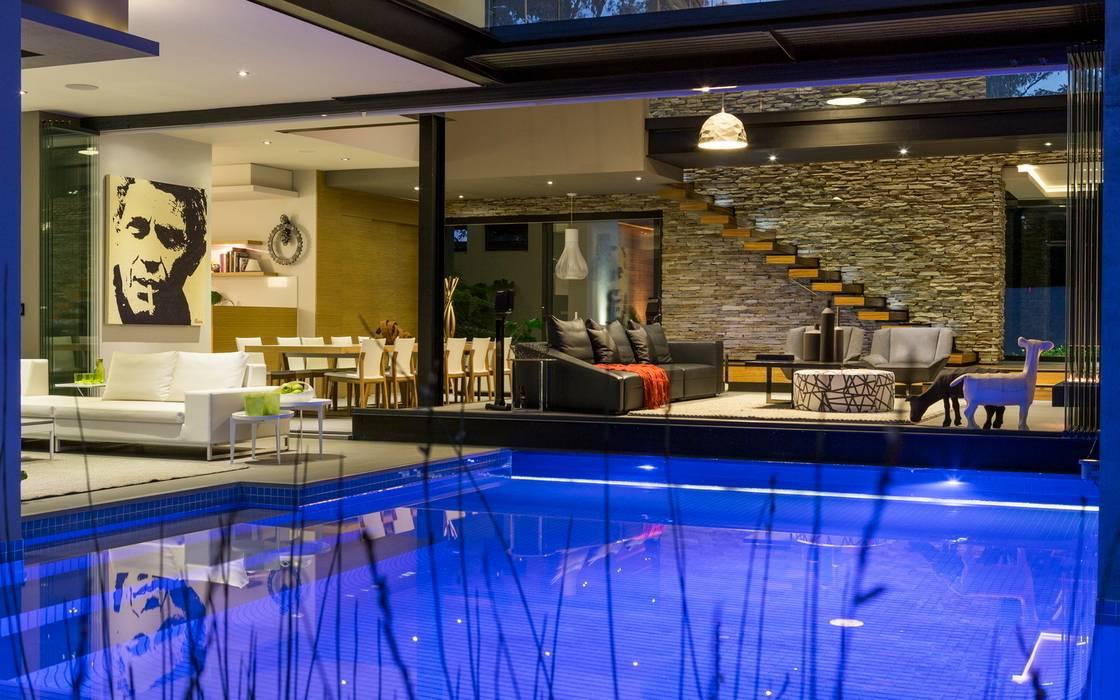 House in Blair Atholl Moderner Balkon, Veranda & Terrasse von Nico Van Der Meulen Architects Modern