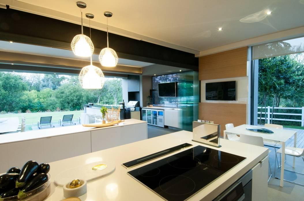 House in Blair Atholl Nico Van Der Meulen Architects Modern Kitchen