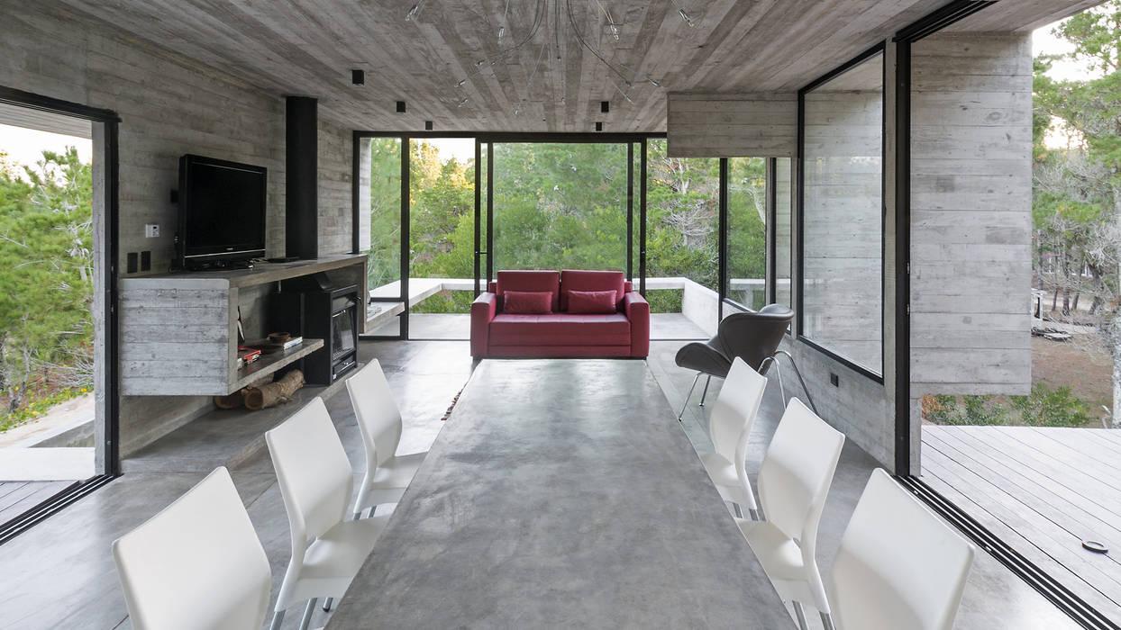 CASA WEIN Comedores modernos de Besonías Almeida arquitectos Moderno