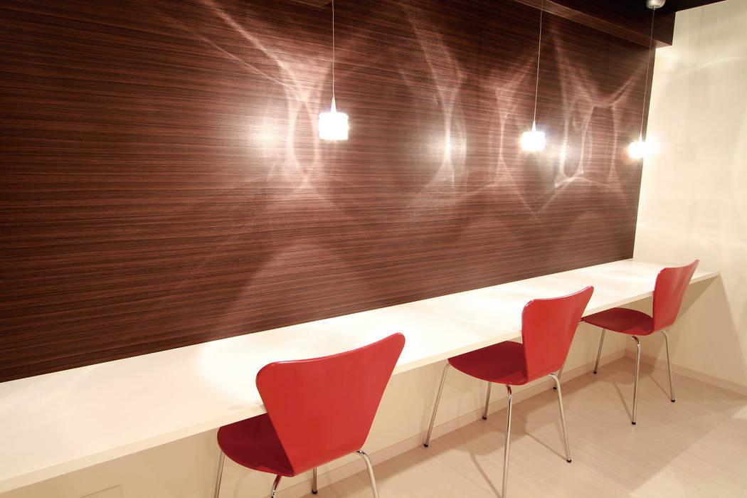 CAFE LIFE: 株式会社クラスコデザインスタジオが手掛けたリビングです。