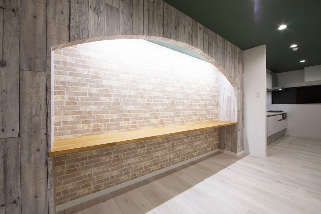 ARCH LIGHT LIFE モダンデザインの リビング の 株式会社クラスコデザインスタジオ モダン