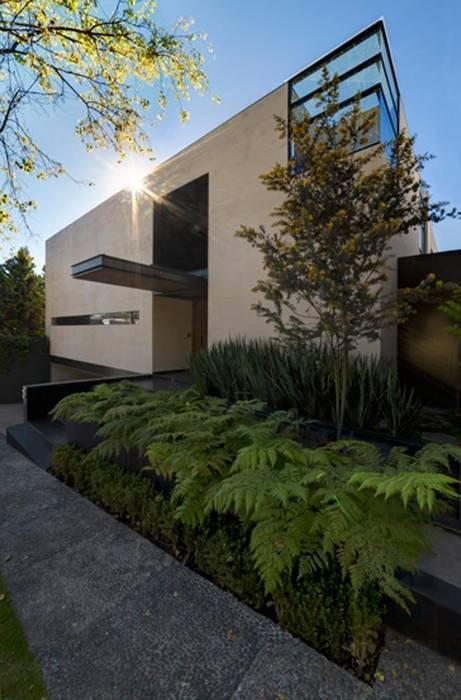 Rumah oleh grupoarquitectura, Minimalis