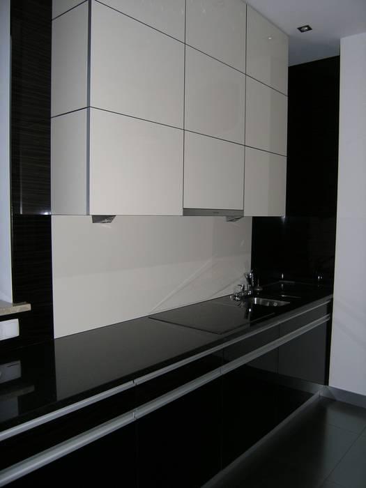 Kitchen by DREWMAR