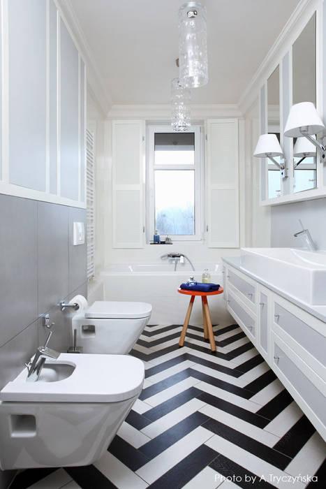 ห้องน้ำ โดย MG Interior Studio Michał Głuszak, ผสมผสาน