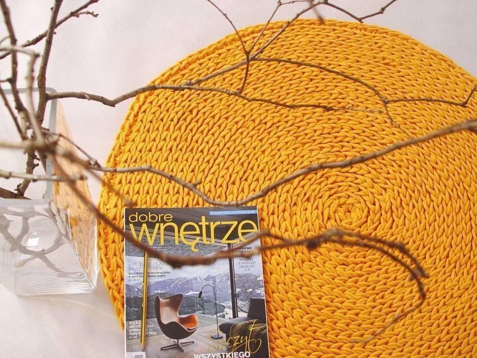 Handmade crochet rug, crochet carpet, round rug, knitted carpet, knitted rug, model COPENHAGEN. material cotton, color 21 van RENATA NEKRASZ art & design Scandinavisch