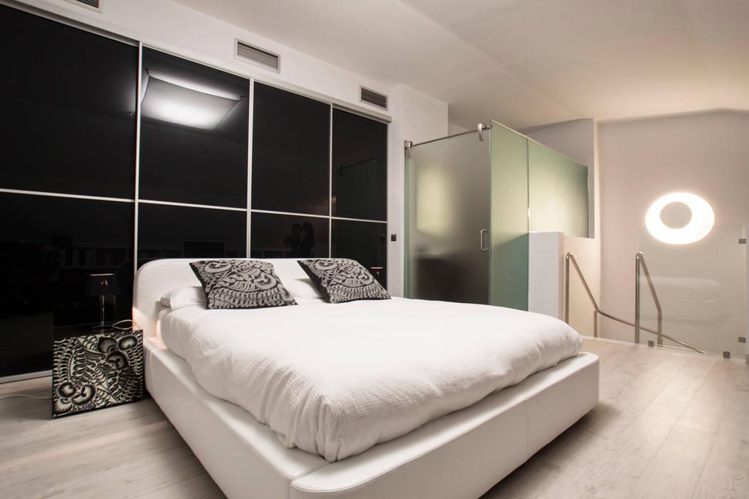Como decorar mi casa para ganar luz: Dormitorios de estilo  de Estatiba construcción, decoración y reformas en  Ibiza y Valencia, Moderno
