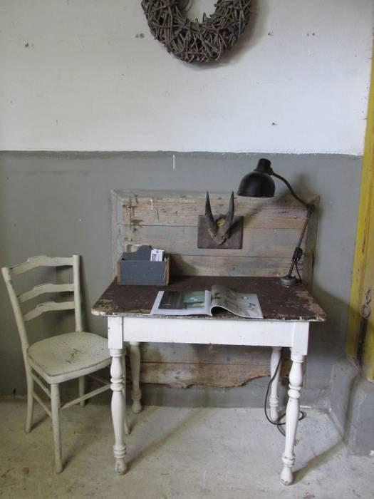 Brocante Franse antieke tafel, wit:  Eetkamer door Were Home