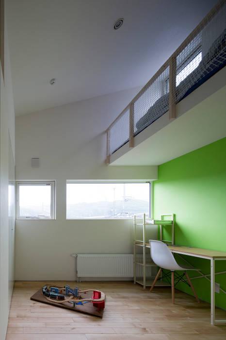 子供部屋 モダンデザインの 書斎 の 一級建築士事務所 Atelier Casa モダン