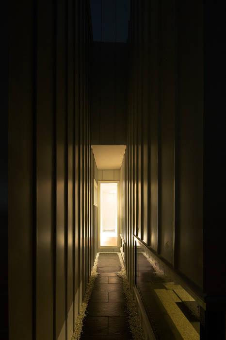 コート2 モダンスタイルの 玄関&廊下&階段 の 一級建築士事務所 Atelier Casa モダン