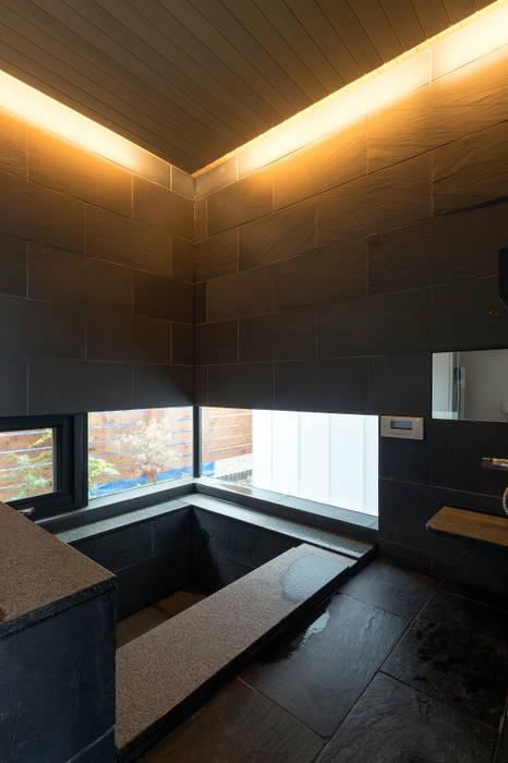 浴室-2 モダンスタイルの お風呂 の 一級建築士事務所 Atelier Casa モダン