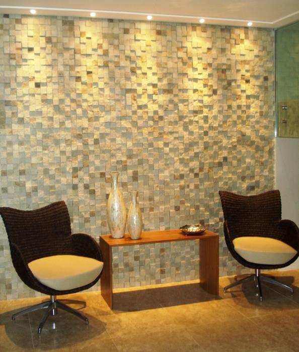Mosaico de São Tomé Branco : Salas de estar  por DECOR PEDRAS PISOS E REVESTIMENTOS