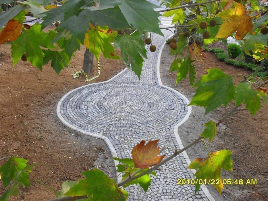 KOZAK GRANİT – GRANİT KÜP TAŞ UYGULAMASI:  tarz Bahçe, Modern