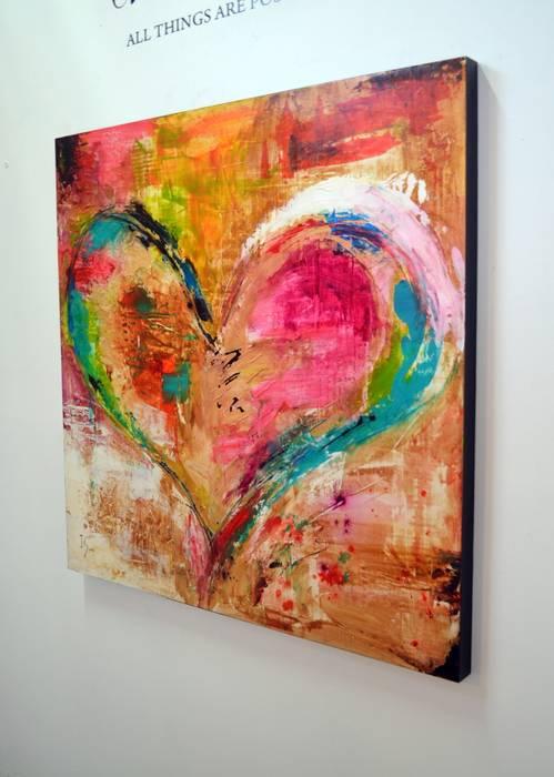 Love is Divine: Pasillos y recibidores de estilo  por Galeria Ivan Guaderrama