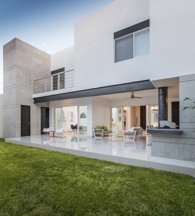 CASA RR8 Casas modernas de Grupo Arsciniest Moderno