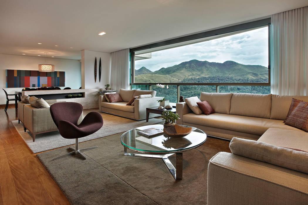 Modern Living Room by Lage Caporali Arquitetas Associadas Modern