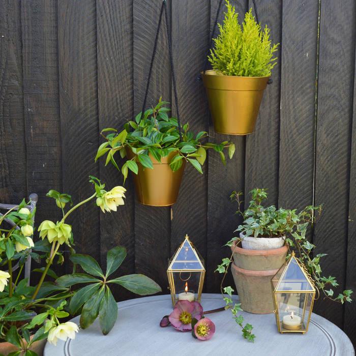 Gold Hanging Planter homify JardínJarrones y macetas