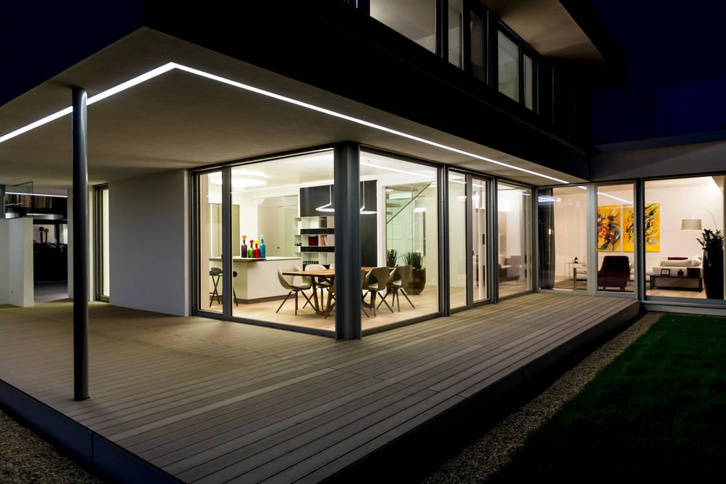 Terrasse Moderner Balkon, Veranda & Terrasse von ARKITURA GmbH Modern