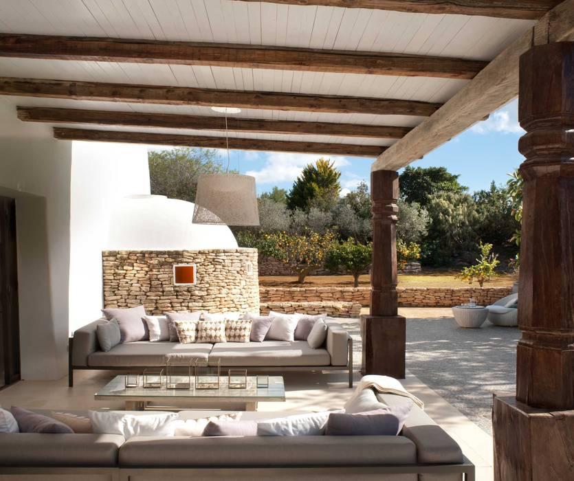 Terrace:  Terrace by TG Studio, Mediterranean