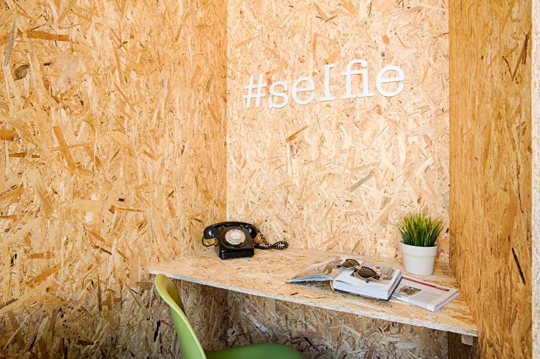 Social Network Room por Santiago | Interior Design Studio Eclético