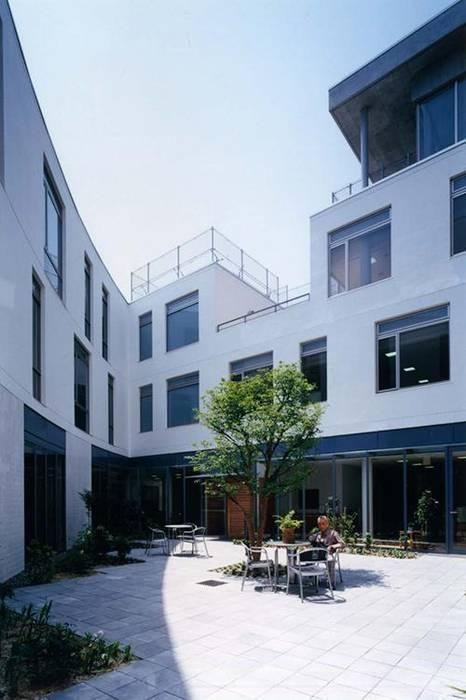 中庭: 株式会社ヨシダデザインワークショップが手掛けた庭です。