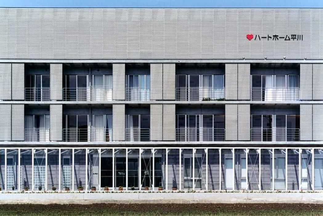 建物外観 モダンな 家 の 株式会社ヨシダデザインワークショップ モダン