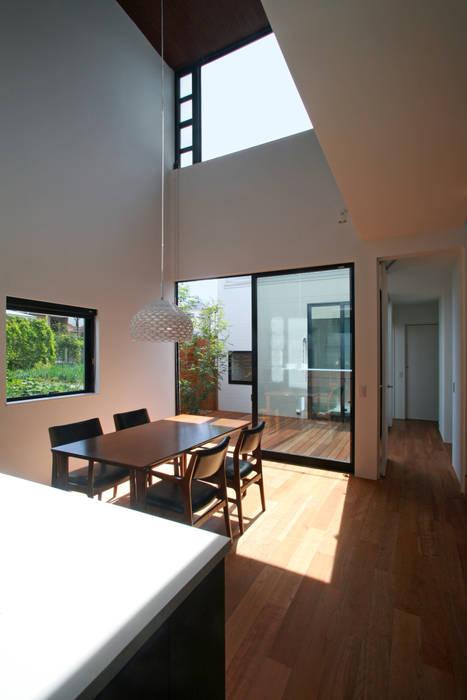 Modern dining room by 設計事務所アーキプレイス Modern