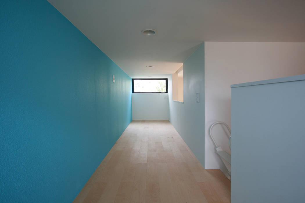 猫と暮らす中庭のある家 設計事務所アーキプレイス モダンデザインの 多目的室