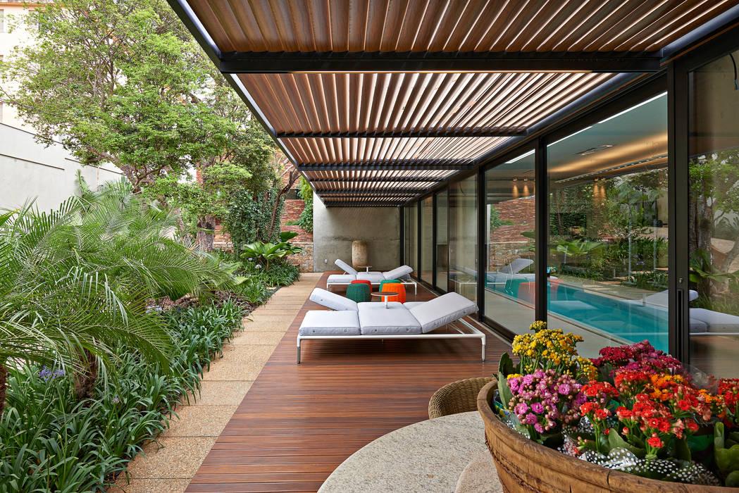 Residência em Itaúna - MG Varandas, alpendres e terraços modernos por Beth Nejm Moderno