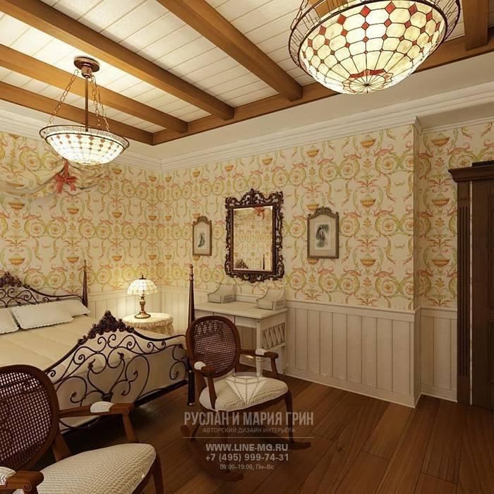 Интерьер спальни в дизайне дома из бруса Спальня в классическом стиле от Студия дизайна интерьера Руслана и Марии Грин Классический