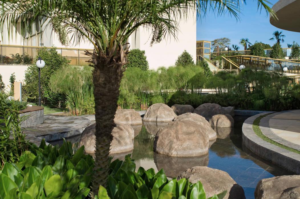 Jardines de estilo ecléctico de Tellini Vontobel Arquitetura Ecléctico
