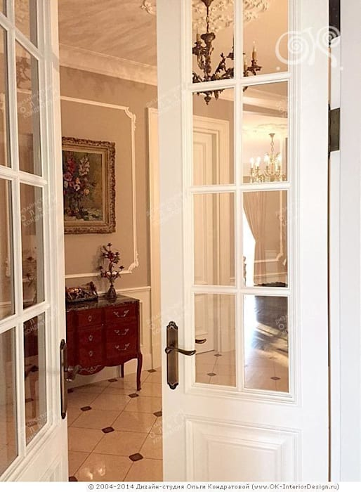 Классические двери в интерьере Окна и двери в классическом стиле от Дизайн студия Ольги Кондратовой Классический