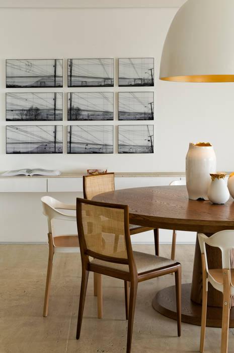 Panamby Apartment Salas de jantar modernas por DIEGO REVOLLO ARQUITETURA S/S LTDA. Moderno