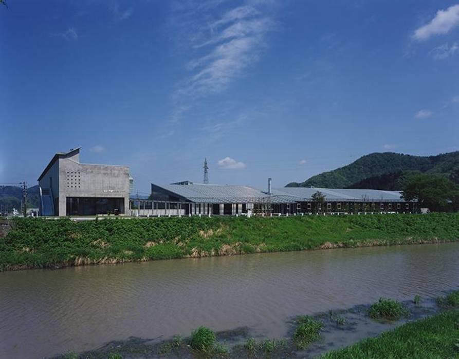 川側外観: 株式会社ヨシダデザインワークショップが手掛けた家です。