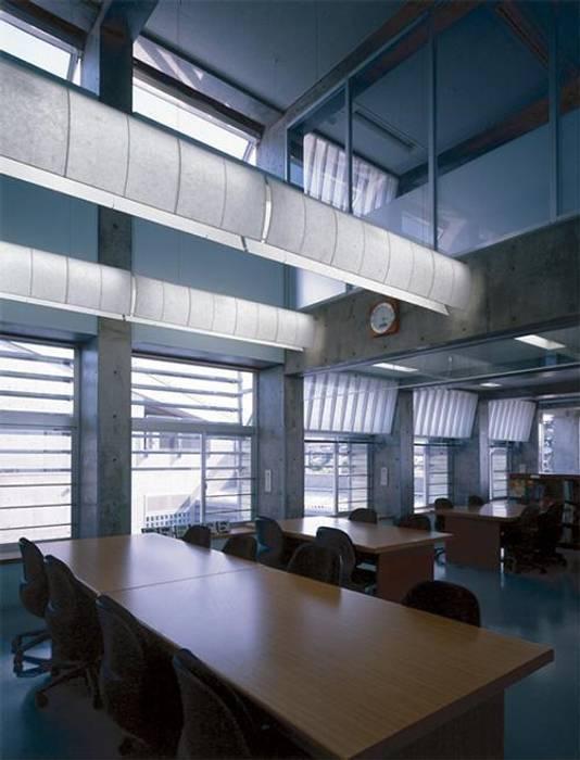 研修室 モダンデザインの 書斎 の 株式会社ヨシダデザインワークショップ モダン