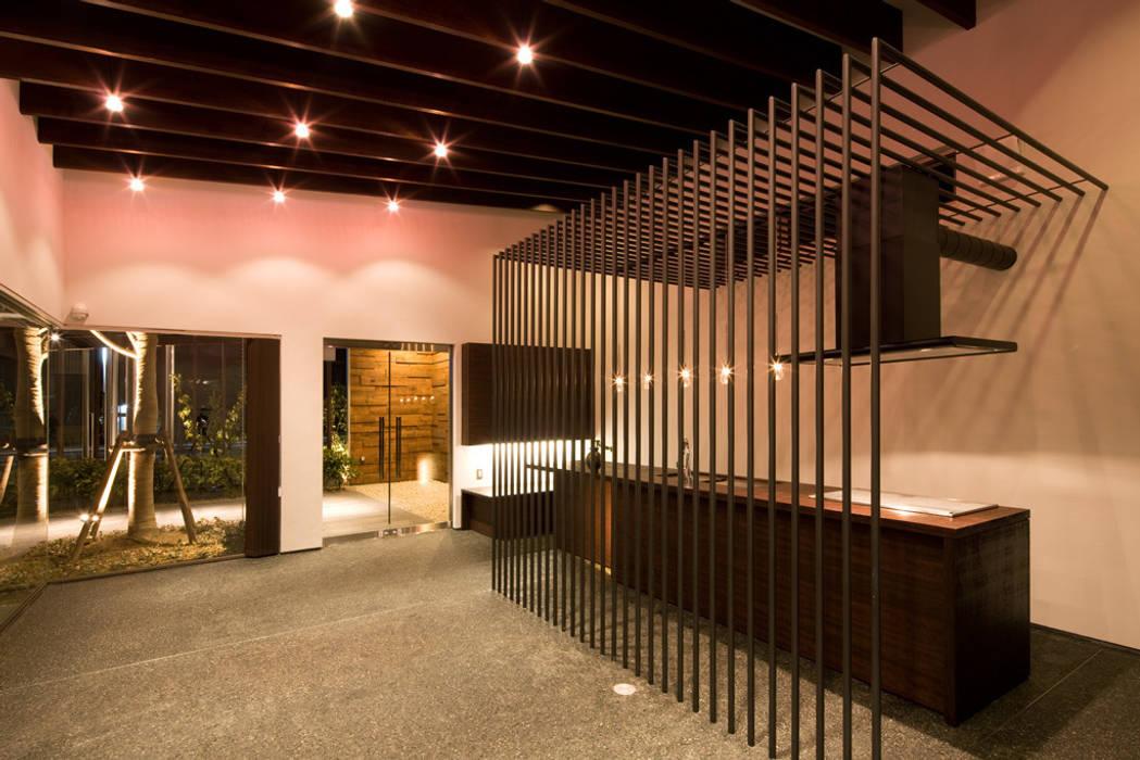 Oficinas y Tiendas de estilo  de 濱田修建築研究所, Ecléctico