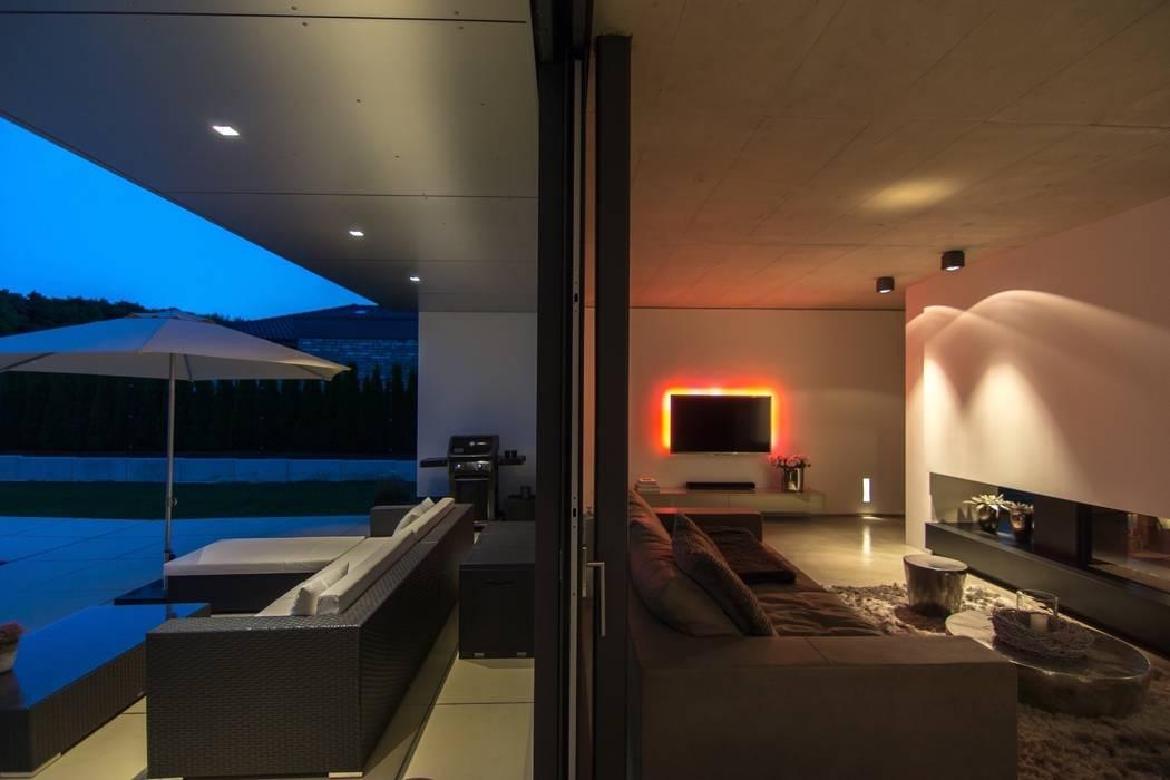 Modern living room by aprikari gmbh & co. kg Modern
