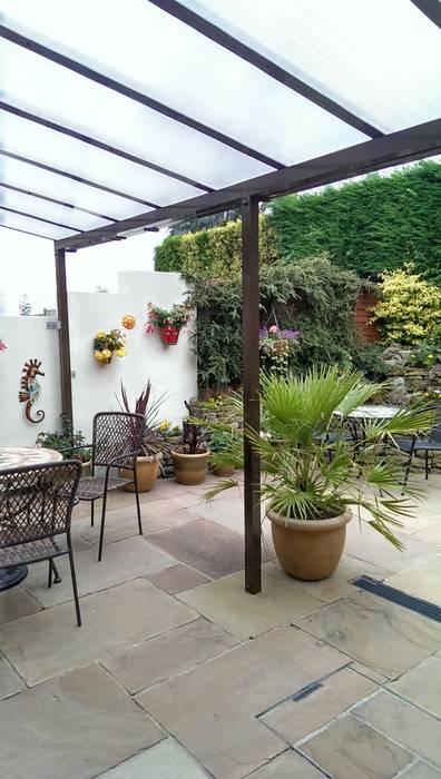 Patio Canopy 根據 Living Space 古典風