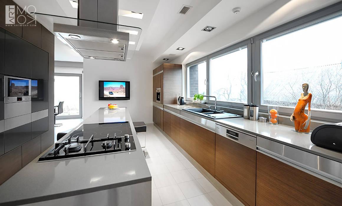 Kuchnia z wyspą: styl , w kategorii Kuchnia zaprojektowany przez Pracownia projektowa artMOKO