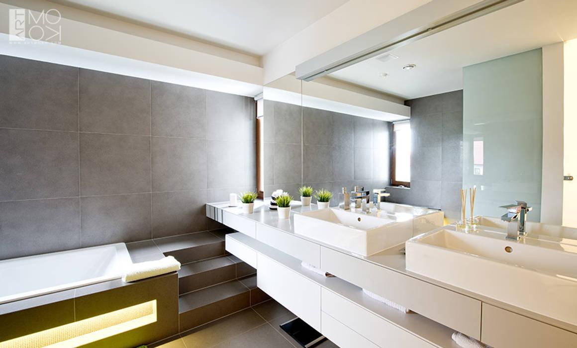 Przestronna łazienka : styl , w kategorii Łazienka zaprojektowany przez Pracownia projektowa artMOKO