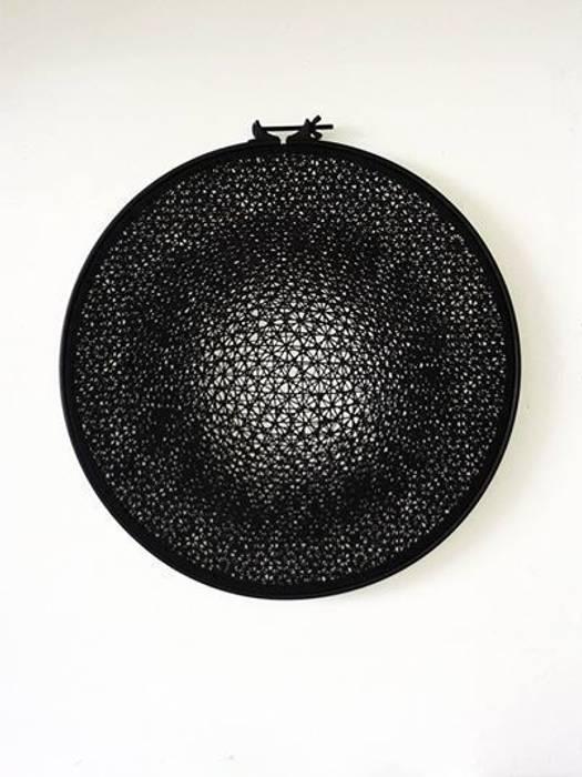 Géométrie variable: Salon de style de style Minimaliste par Lucie Leroux Design Textile