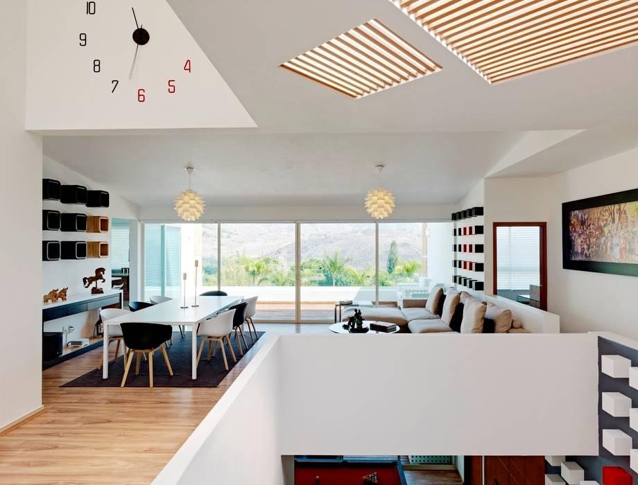 Wohnzimmer von Excelencia en Diseño,